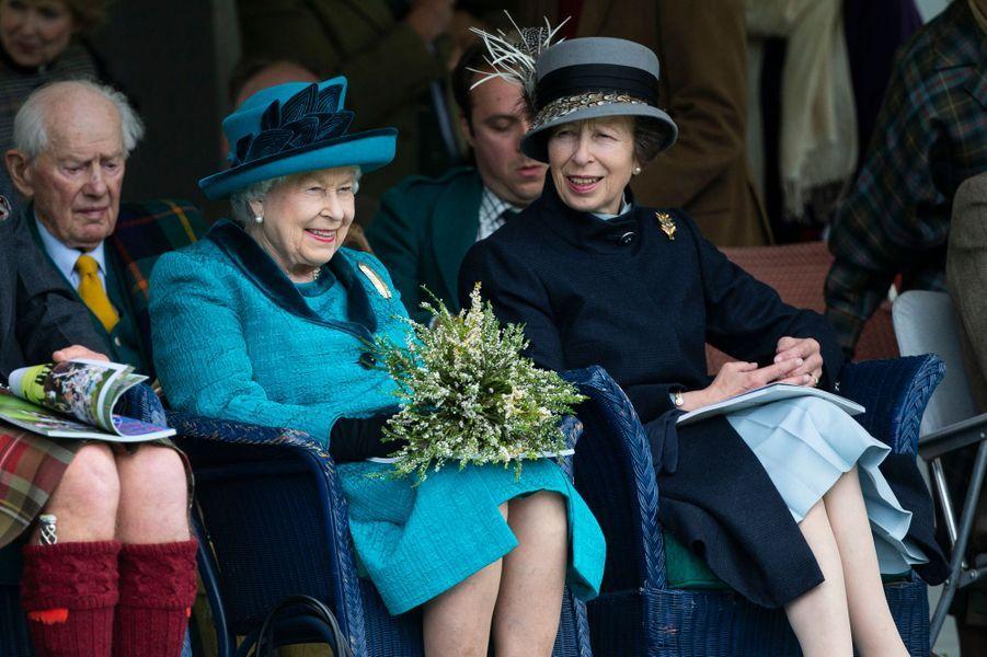 La reine Elizabeth II avec la princesse Anne à Braemar, le 1er septembre 2018