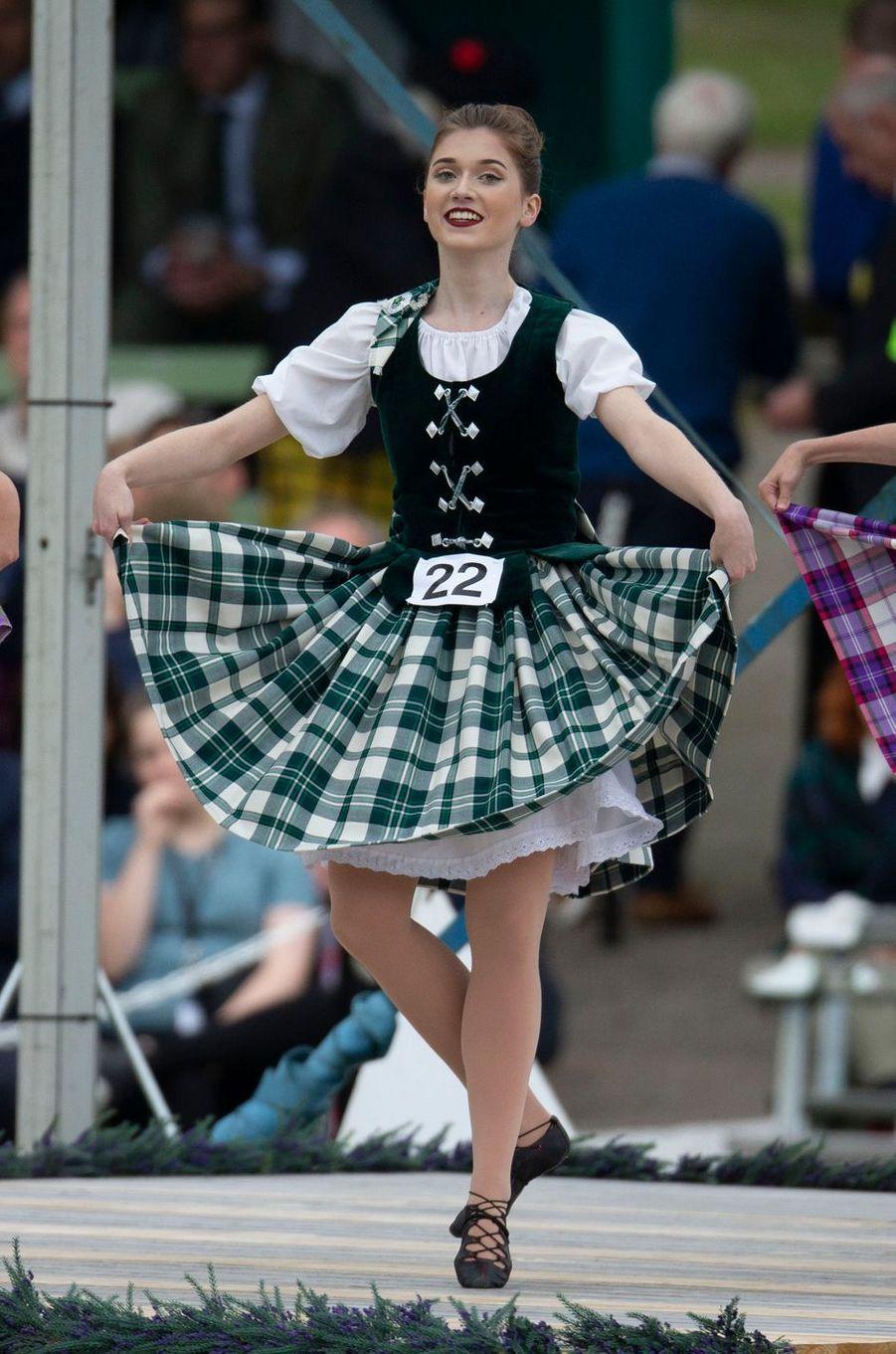 Danseuse écossaise au Highlands Braemar Gathering à Braemar, le 1er septembre 2018