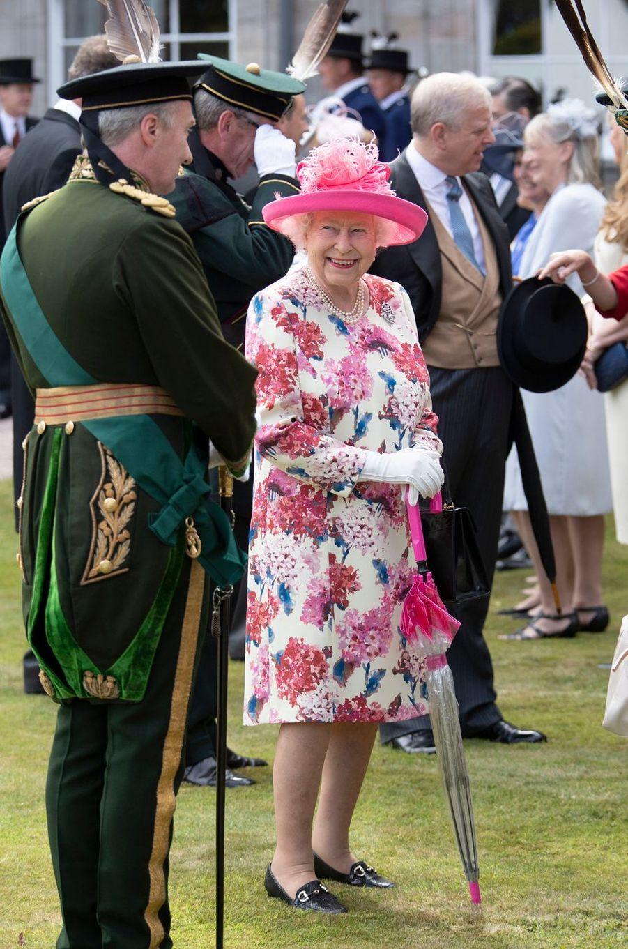 La reine Elizabeth II et son fils le prince Andrew à Edimbourg, le 4 juillet 2018à Edimbourg, le 4 juillet 2018