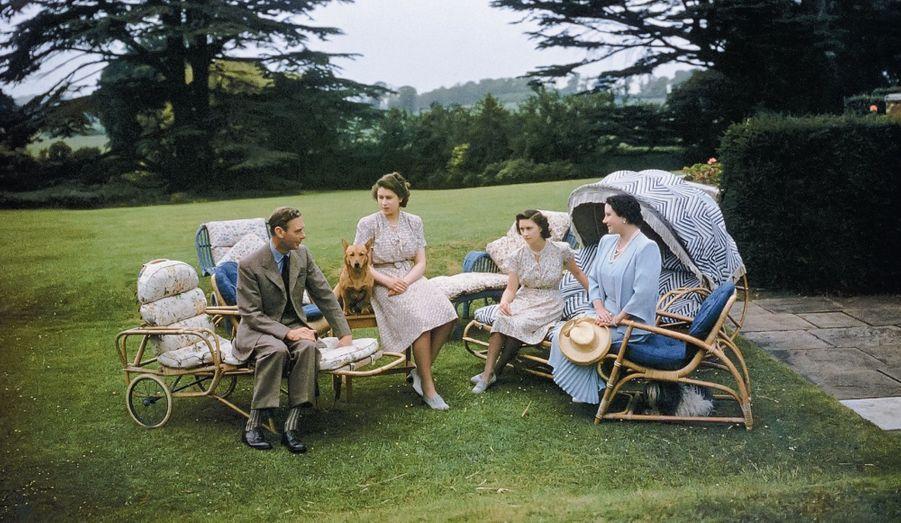La famille royale au Pavillon royal de Windsor, 1946
