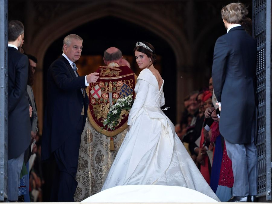 La robe de mariée de la princesse Eugenie d'York en photos