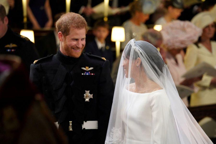 La Robe De Mariée De Meghan Markle En Photos ( 2
