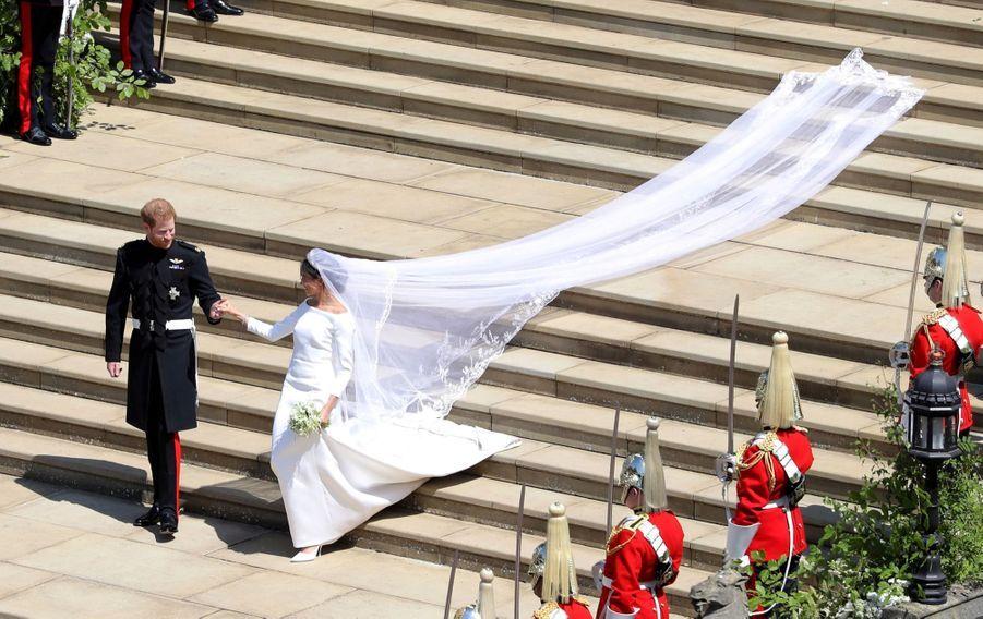 La Robe De Mariée De Meghan Markle Exposée À Windsor ( 15