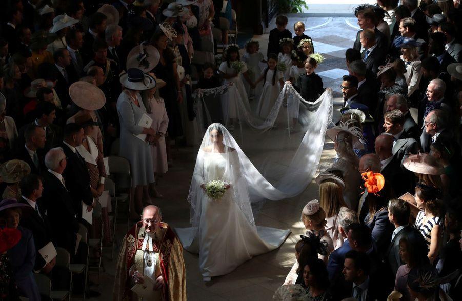 La Robe De Mariée De Meghan Markle Exposée À Windsor ( 16