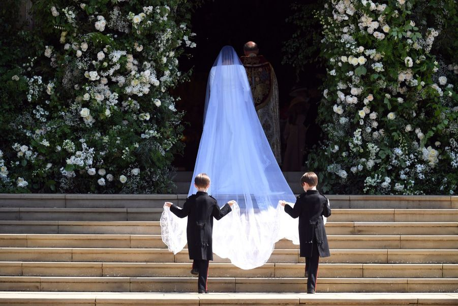 La Robe De Mariée De Meghan Markle Exposée À Windsor ( 19