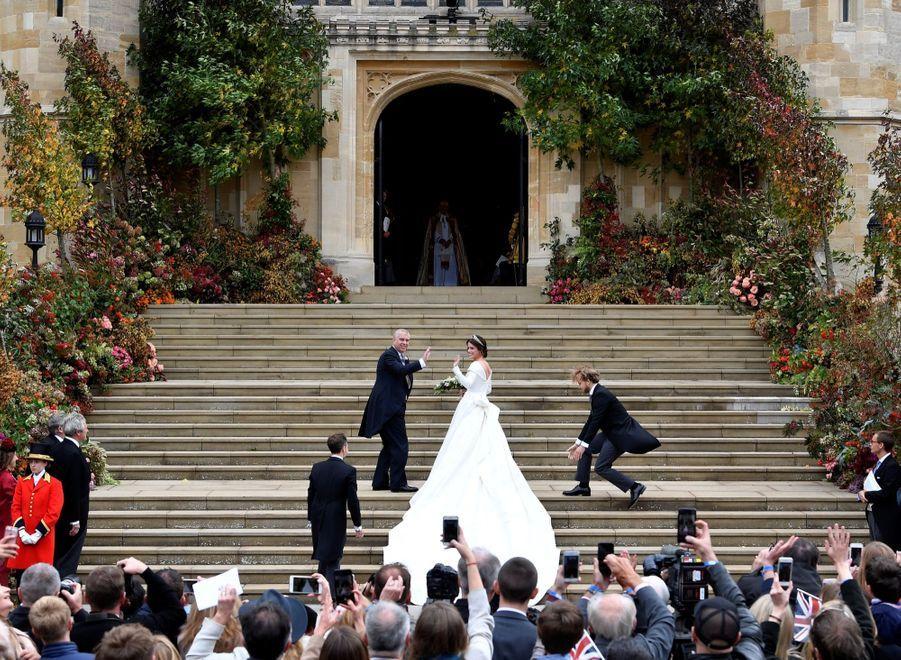 La Robe De Mariée De La Princesse Eugenie D'York En Photos 2