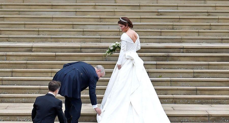 La mariée et son père, le prince Andrew