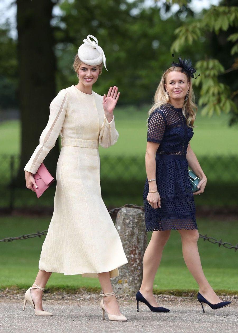 Donna Air (à droite), la compagne de James Middleton, arrive au mariage de Pippa Middleton, samedi 20 mai
