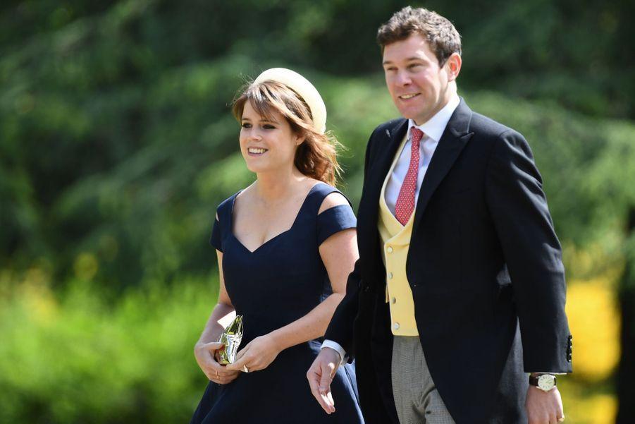 La princesse Eugenie et son compagnon Jack Brooksbank arriventau mariage de Pippa Middleton, samedi 20 mai