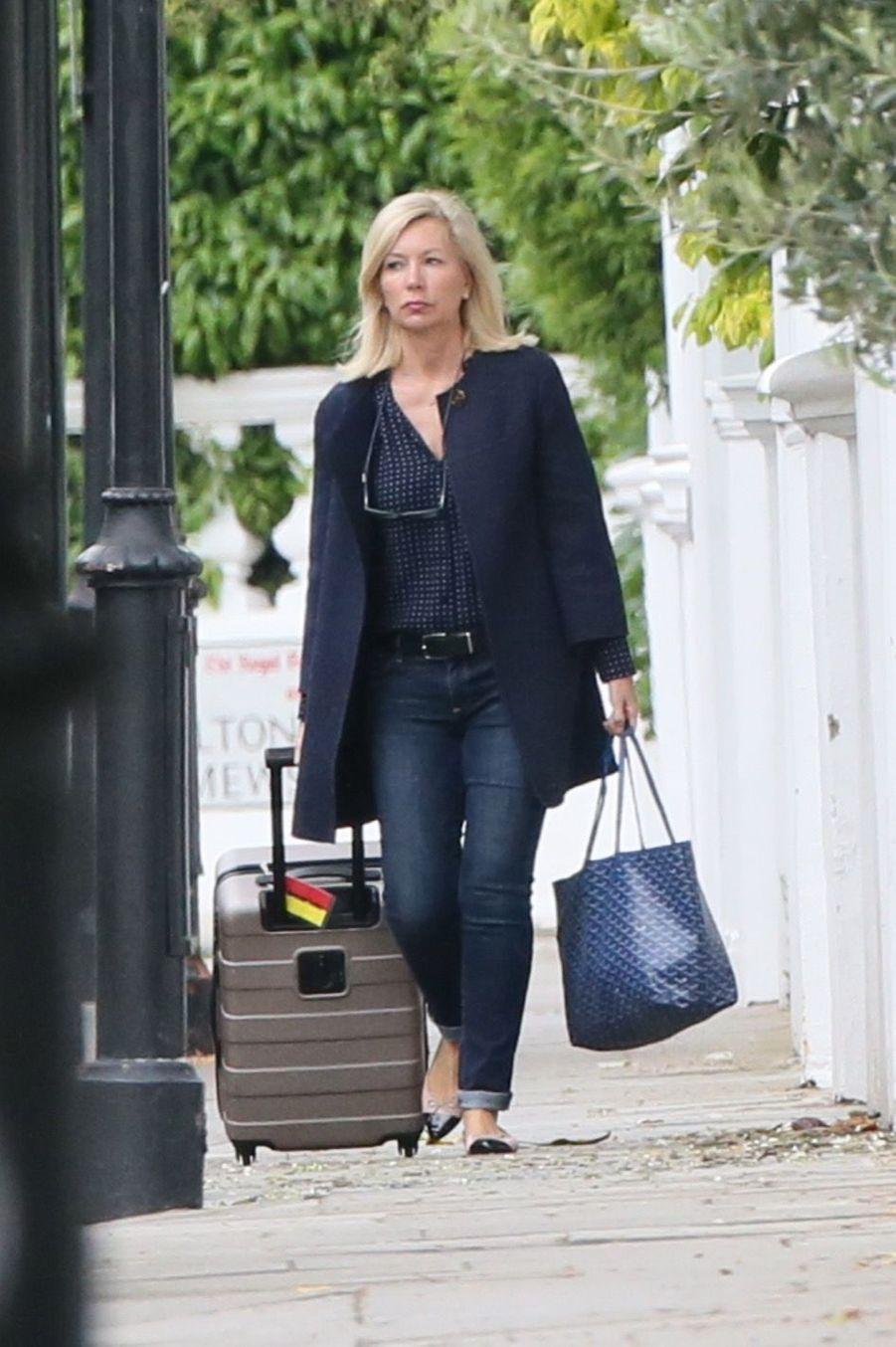 Amanda Cook Tucker, la coiffeuse de la duchesse de Cambridge, arrivant chez Pippa cette semaine