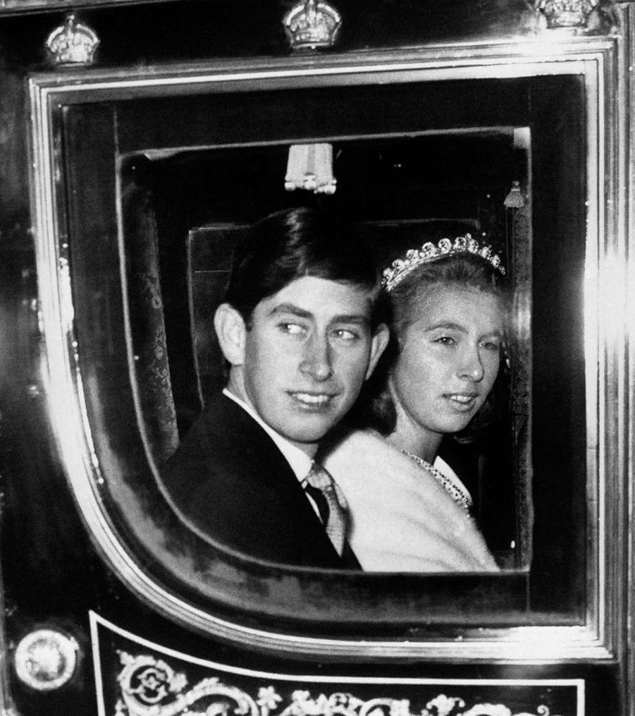 Le prince Charles avec sa soeur la princesse Anne, le 31 octobre 1967