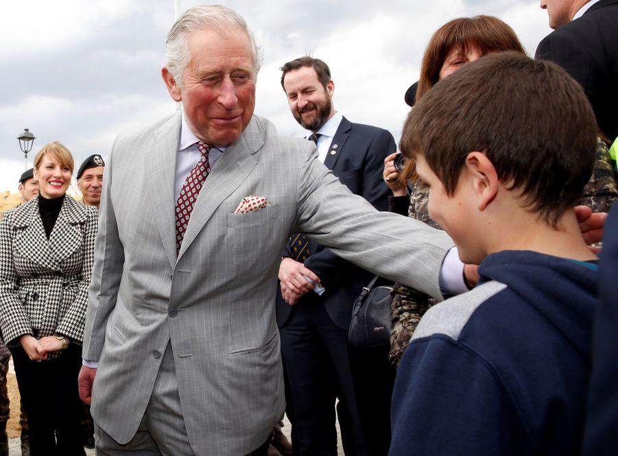 Le Prince Charles Au Chevet D'Amatrice En Italie, Détruite En Août 2016 Par Un Séisme 12