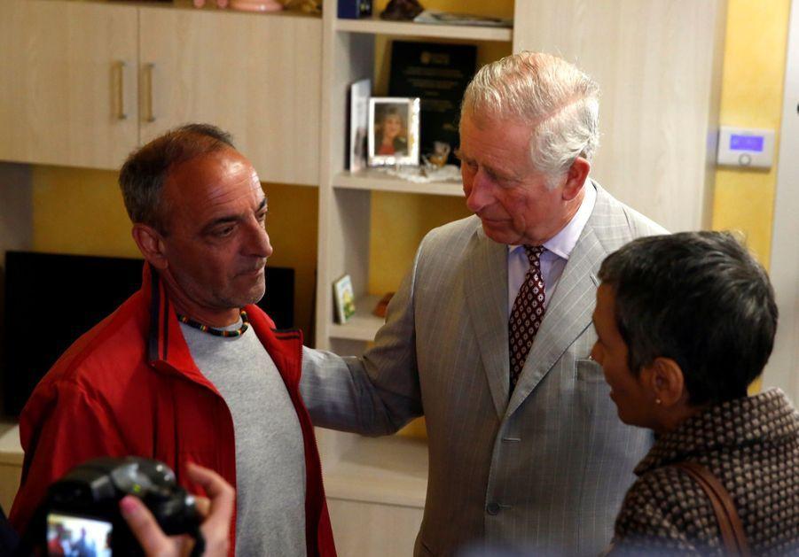 Le Prince Charles Au Chevet D'Amatrice En Italie, Détruite En Août 2016 Par Un Séisme 13