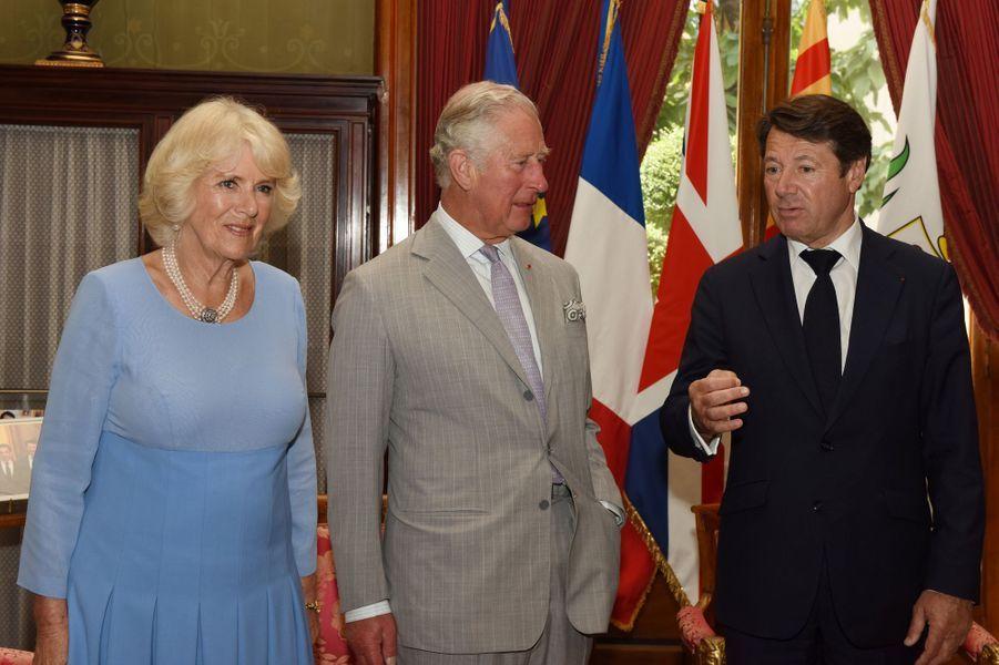 Le prince Charles et la duchesse de Cornouailles Camilla avec Christian Estrosi à Nice, le 7 mai 2018