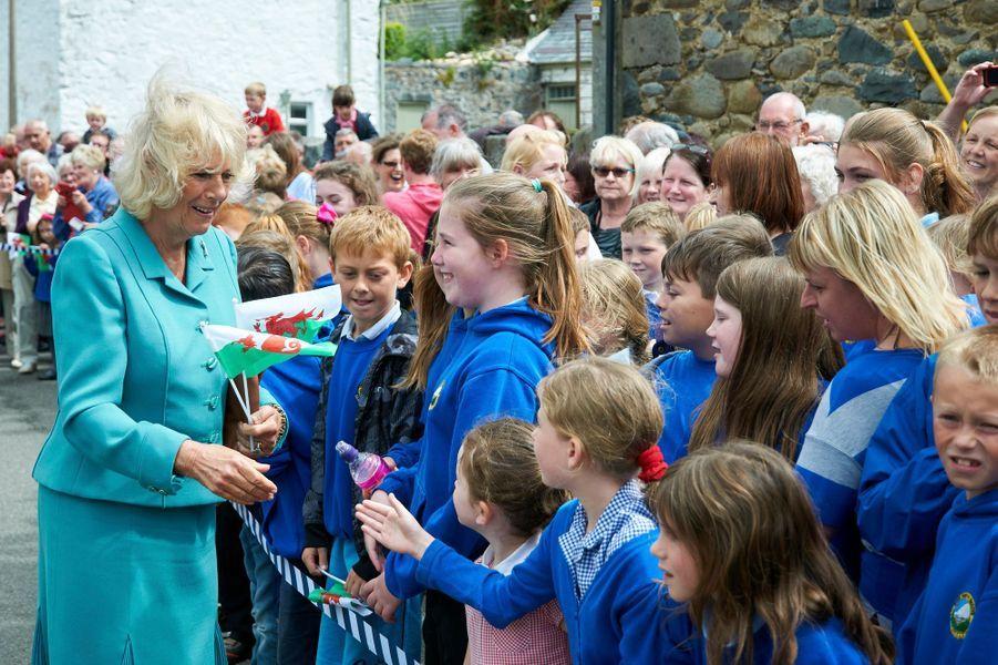Le prince Charles et Camilla à Llanfairfechan, le 7 juillet 2015