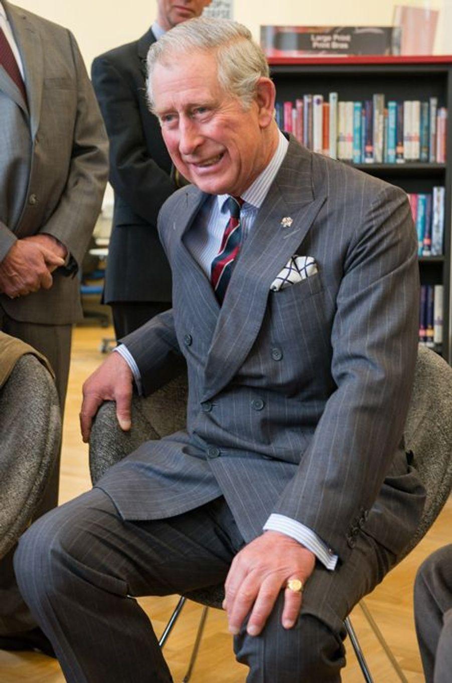 Le prince Charles visite The Newbridge Memorial Hall, le 12 décembre 2014