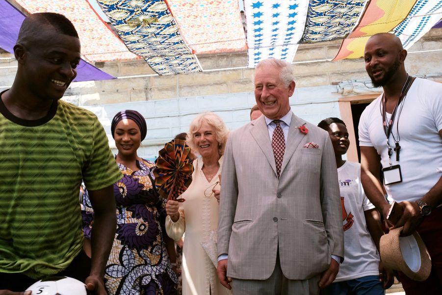 Le Prince Charles Et Camilla Lors De Leur Tournée En Afrique ( 1