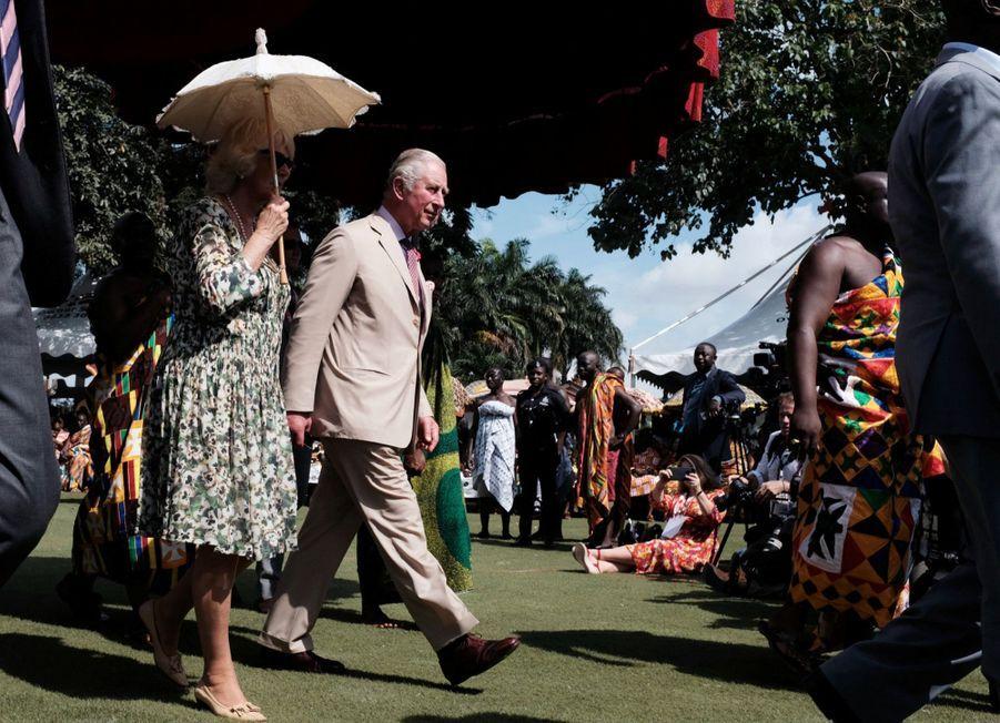 Le Prince Charles Et Camilla Lors De Leur Tournée En Afrique ( 3