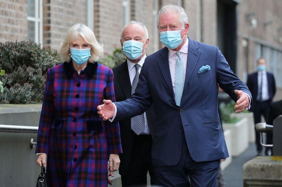 La duchesse de Cornouailles Camilla et le prince Charles à Birmingham, le 17 février 2021