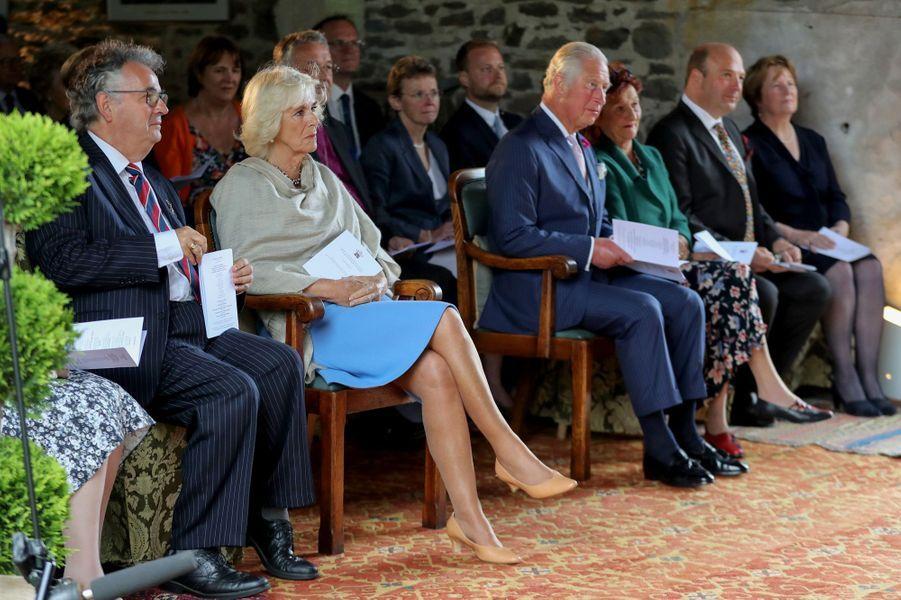 Le prince Charles et la duchesse de Cornouailles Camilla à Llandovery, le 2 juillet 2019