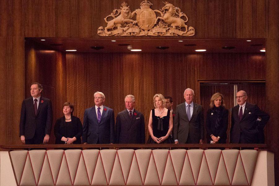 Le prince Charles à un concert du Royal Philharmonic Orchestra de Londres et de l'Orchestre du centre national des arts d'Ottawa à Lndres, le...