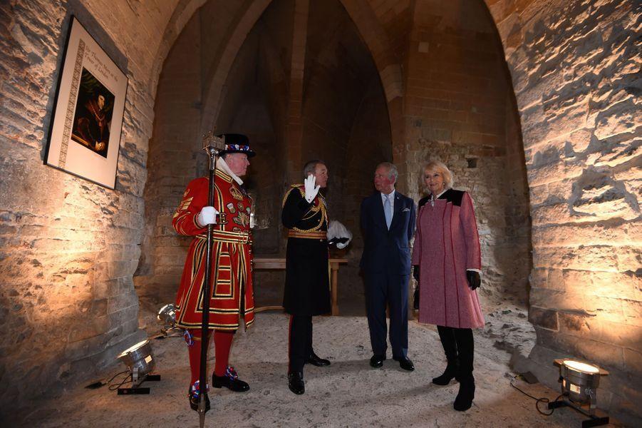 Le prince Charles et duchesse de Cornouailles Camilla dans la cellule de Thomas More à la Tour de Londres, le 13 février 2020