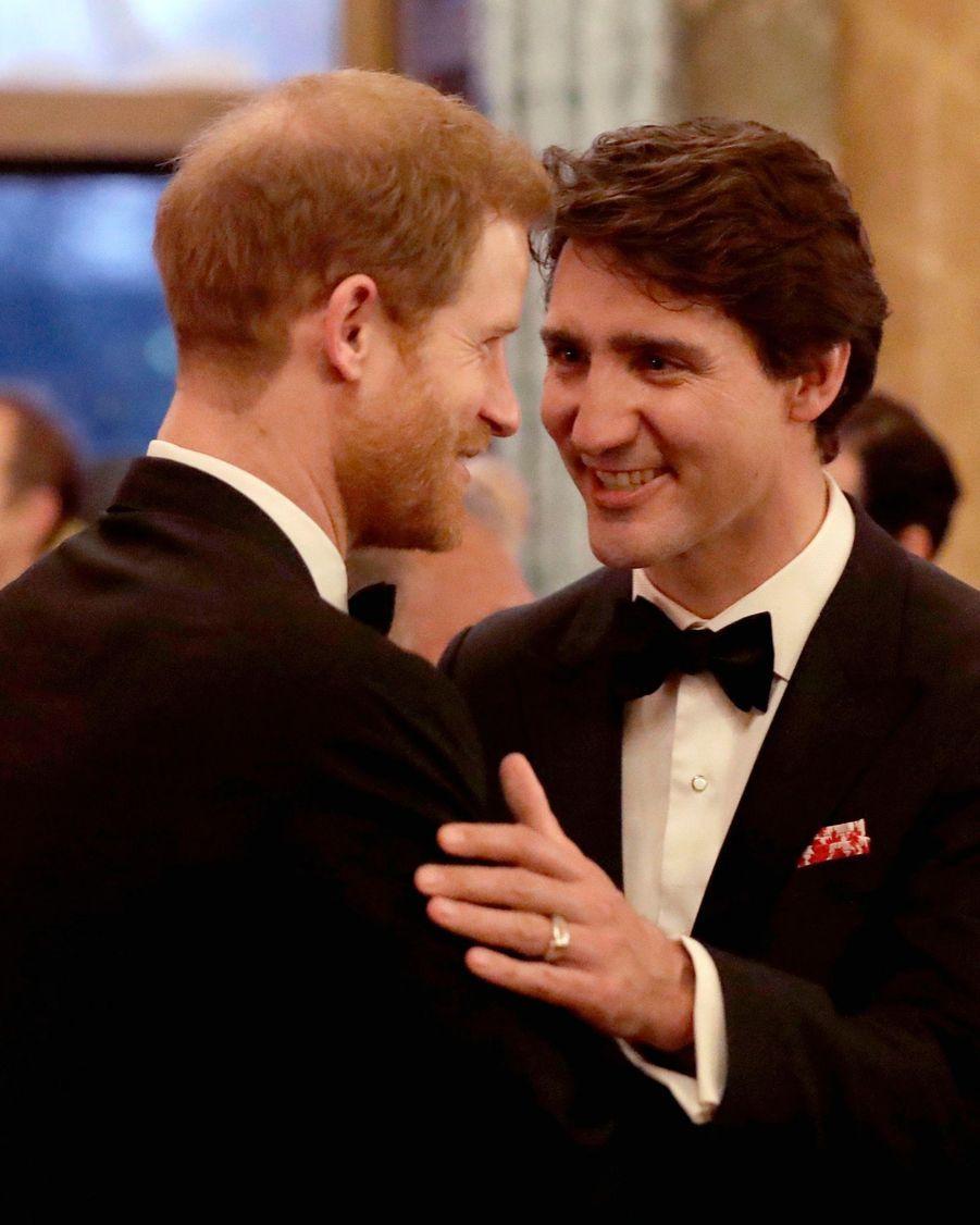 La Reine Ouvre En Famille Le Sommet Du Commonwealth Au Château De Windsor, Jeudi 19 Avril 14