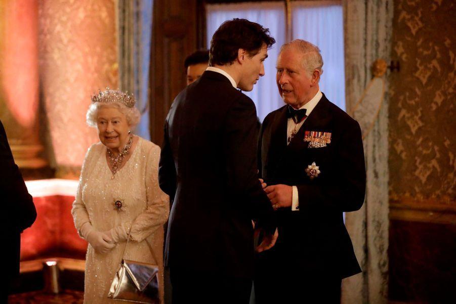 La Reine Ouvre En Famille Le Sommet Du Commonwealth Au Château De Windsor, Jeudi 19 Avril 15