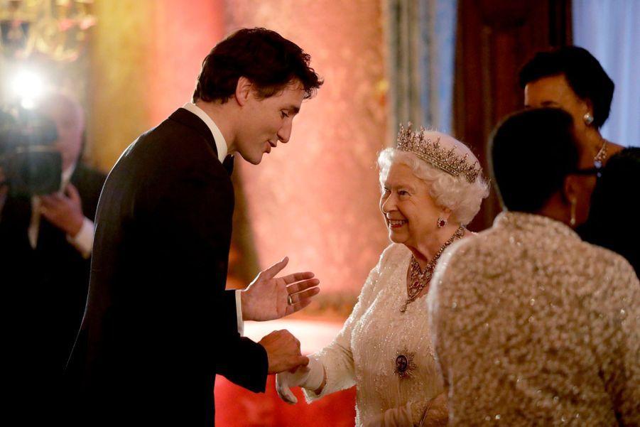 La Reine Ouvre En Famille Le Sommet Du Commonwealth Au Château De Windsor, Jeudi 19 Avril 16