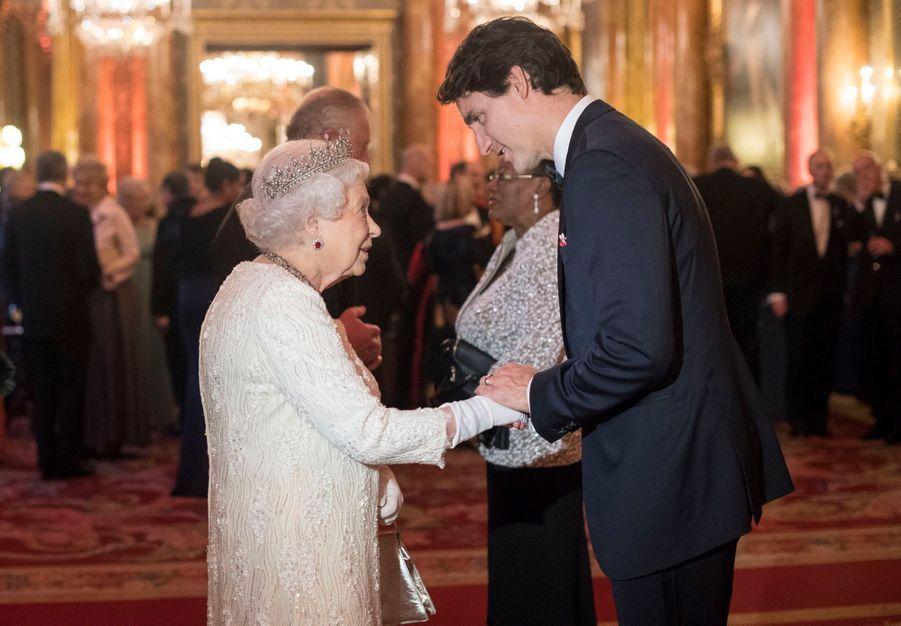 La Reine Ouvre En Famille Le Sommet Du Commonwealth Au Château De Windsor, Jeudi 19 Avril 20