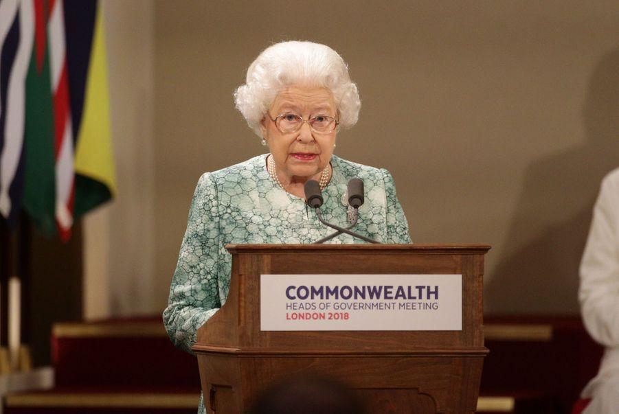 La Reine Ouvre En Famille Le Sommet Du Commonwealth Au Château De Windsor, Jeudi 19 Avril 4