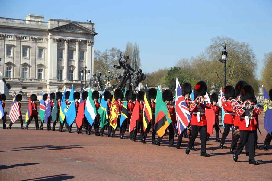 La Reine Ouvre En Famille Le Sommet Du Commonwealth Au Château De Windsor, Jeudi 19 Avril 5
