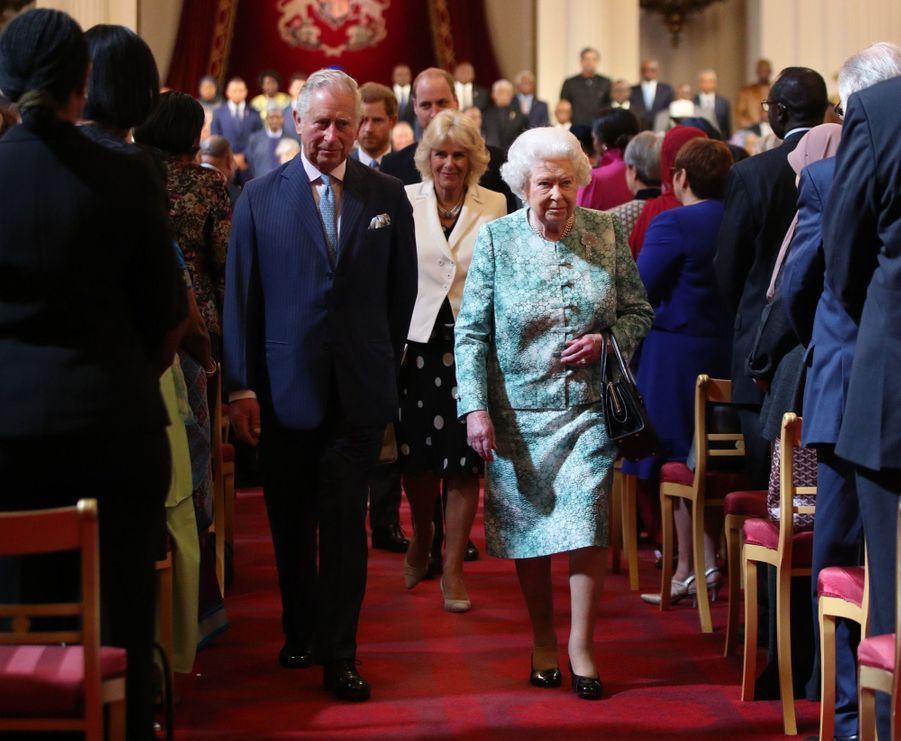 La Reine Ouvre En Famille Le Sommet Du Commonwealth Au Château De Windsor, Jeudi 19 Avril 7