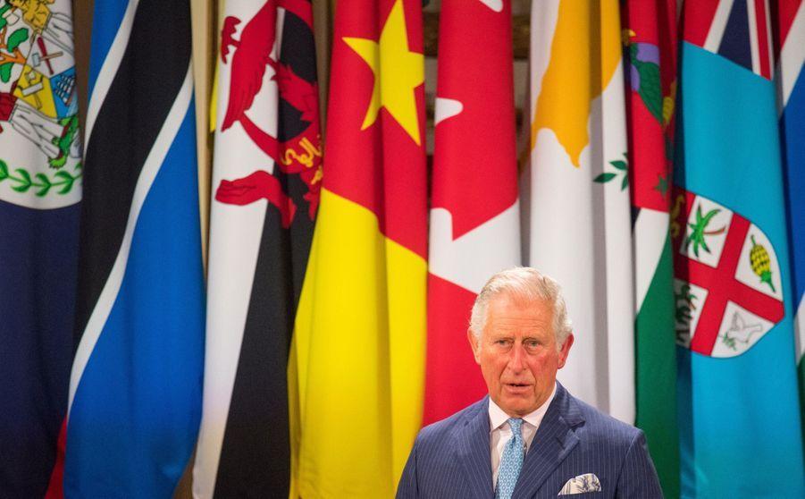 La Reine Ouvre En Famille Le Sommet Du Commonwealth Au Château De Windsor, Jeudi 19 Avril 8