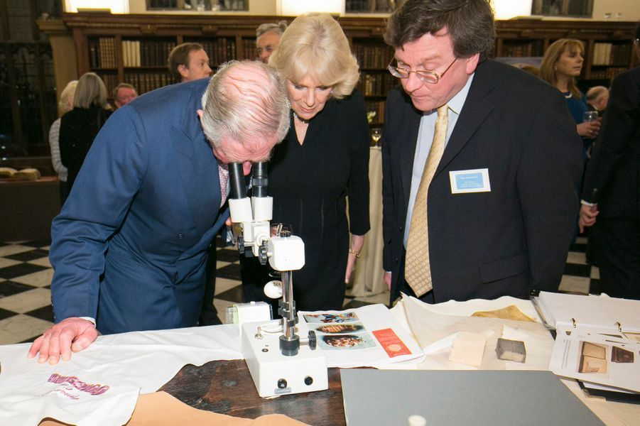 Le prince Charles et la duchesse de Cornouailles Camilla à la Lambeth Palace Library à Londres, le 24 février 2016