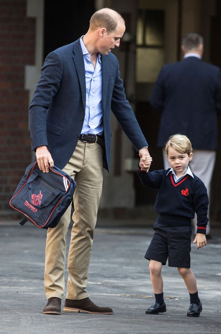 Le prince George de Cambridge fait sa première rentrée scolaire à Londres avec le prince William, le 7 septembre 2017