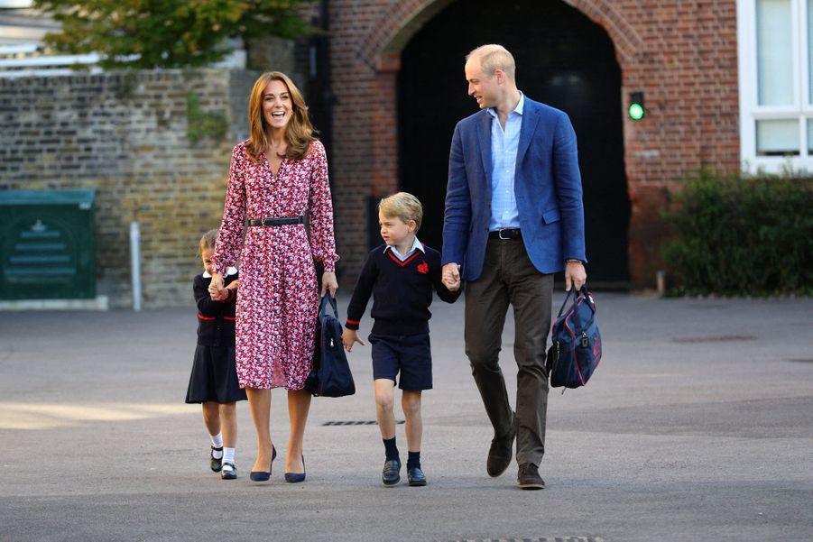 Kate Middleton et le prince William accompagnent George et Charlotte pour leur rentrée scolaire