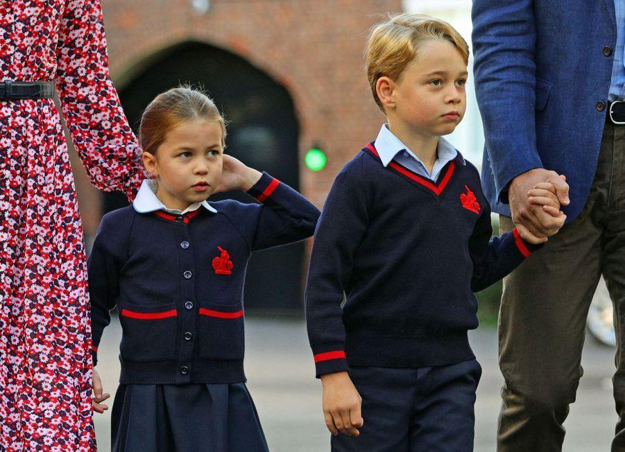 La princesse Charlotte et le prince George font leur rentrée scolaire.