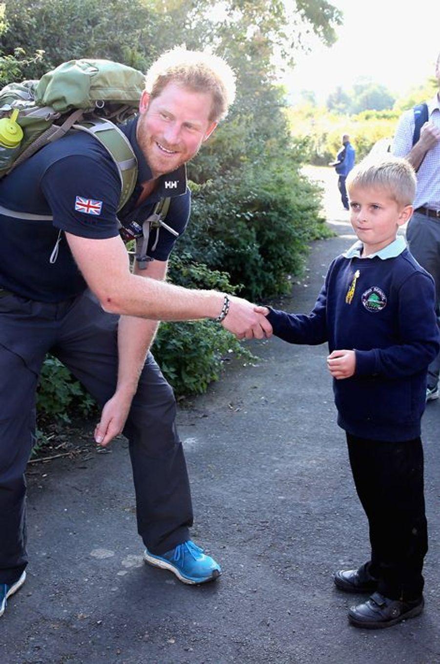 """Le prince Harry participe à la """"Walk of Britain"""" dans le Shropshire, le 30 septembre 2015"""