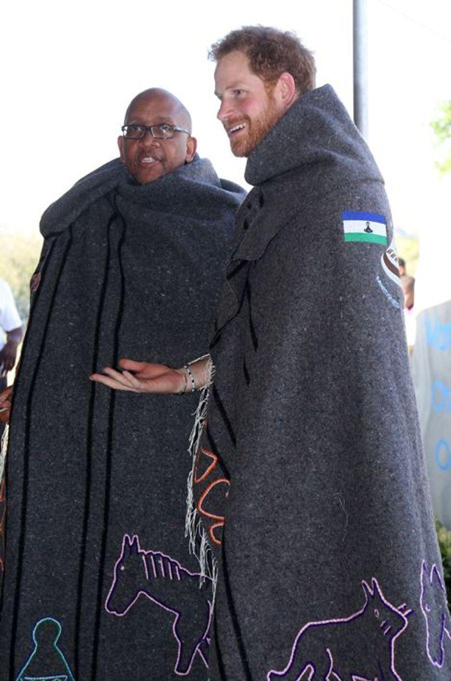 Le prince Harry avec le roi Letsie III au Lesotho, le 26 novembre 2015
