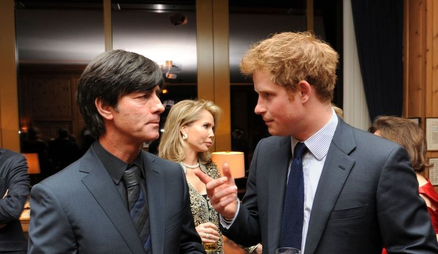 Avec le sélectionneur allemand Joachim Low.
