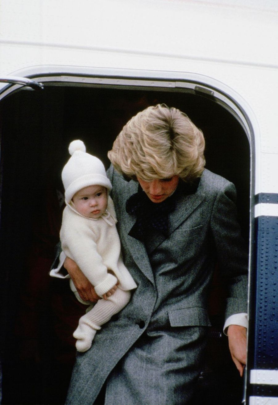 Le prince Harry fête ses 35 ans : l'album photo de son enfance