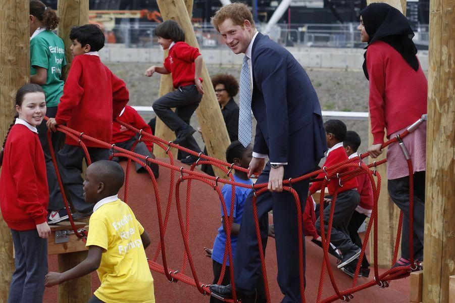 Harry, grand gamin au jardin d'enfants