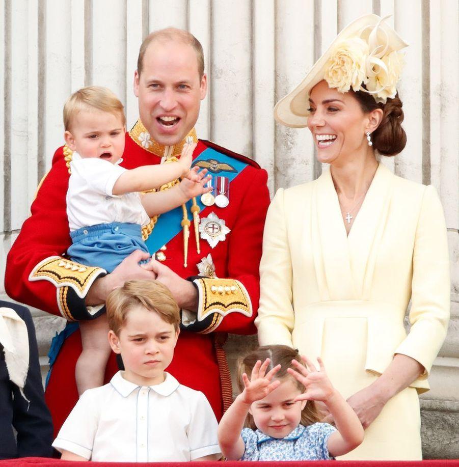 Kate Middleton, le prince William et leurs trois enfants George, Charlotte et Louis à Londres, le 8 juin 2019