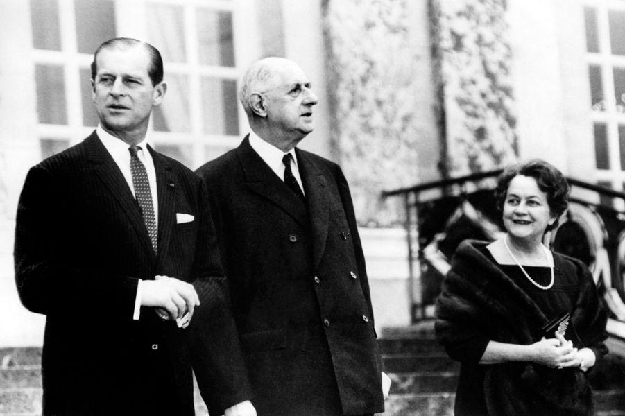 Le prince Philip avec Charles et Yvonne de Gaulle, le 19 décembre 1966