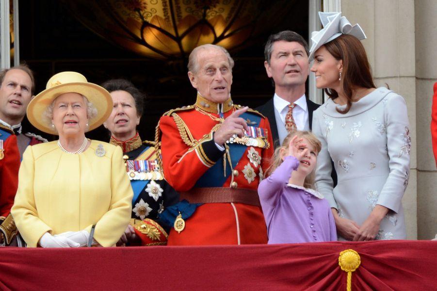 Le prince Philip avec la famille royale, le 16 juin 2012
