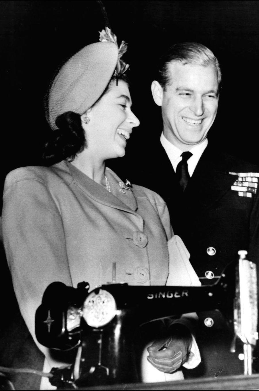 Le prince Philip avec la princesse Elizabeth, le 31 octobre 1947