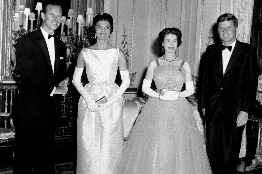 Le prince Philip avec la reine Elizabeth II et John et Jackie Kennedy, le 5 juin 1961