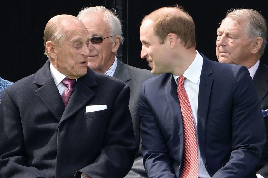 Le prince Philip avec son petit-fils le prince William, le 15 juin 2015