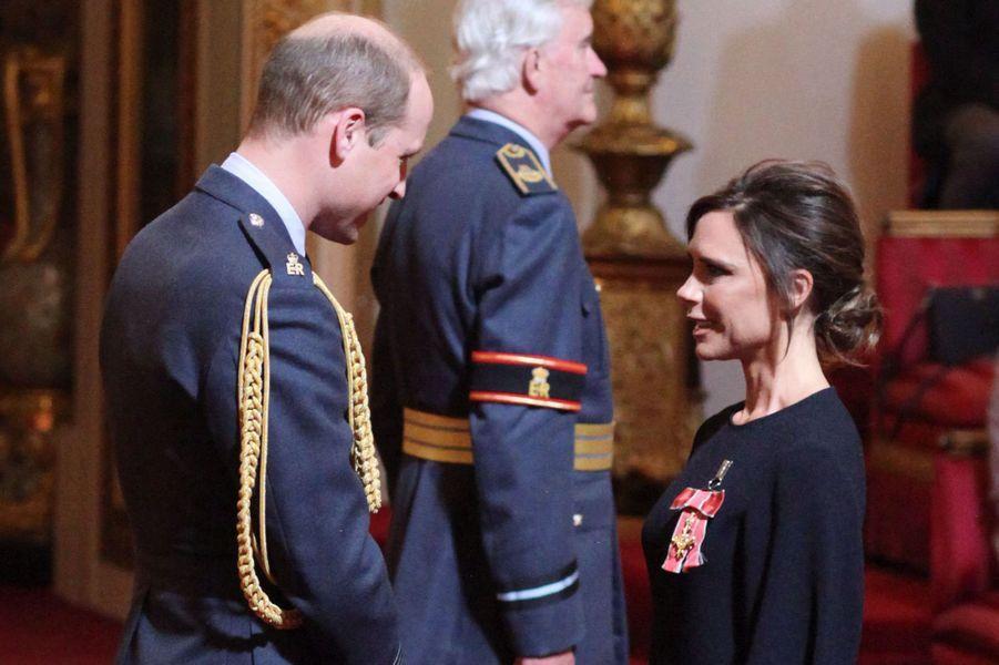 Le prince William et Victoria Beckham à Londres, le 19 avril 2017
